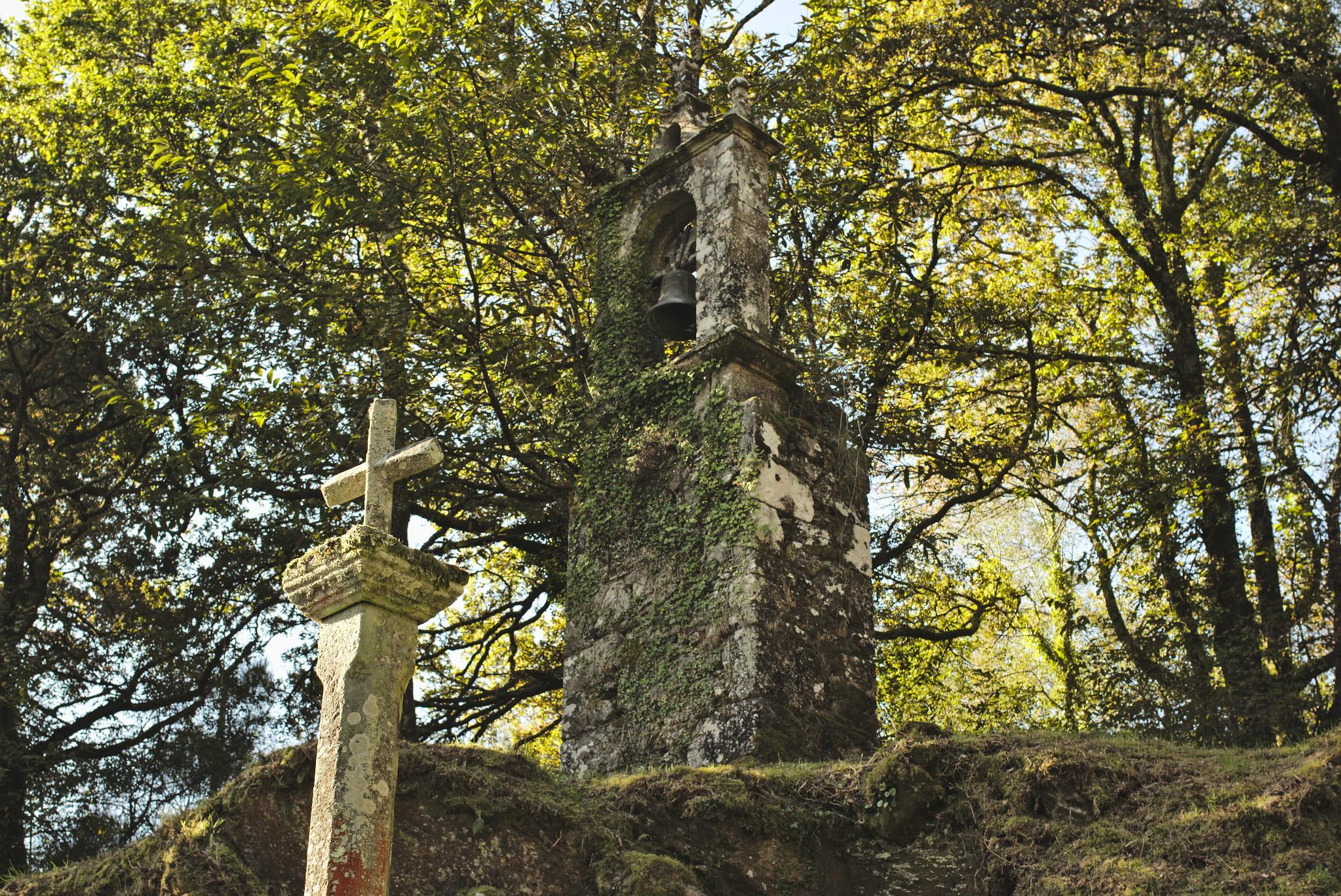 Espadana da igrexa da Capela
