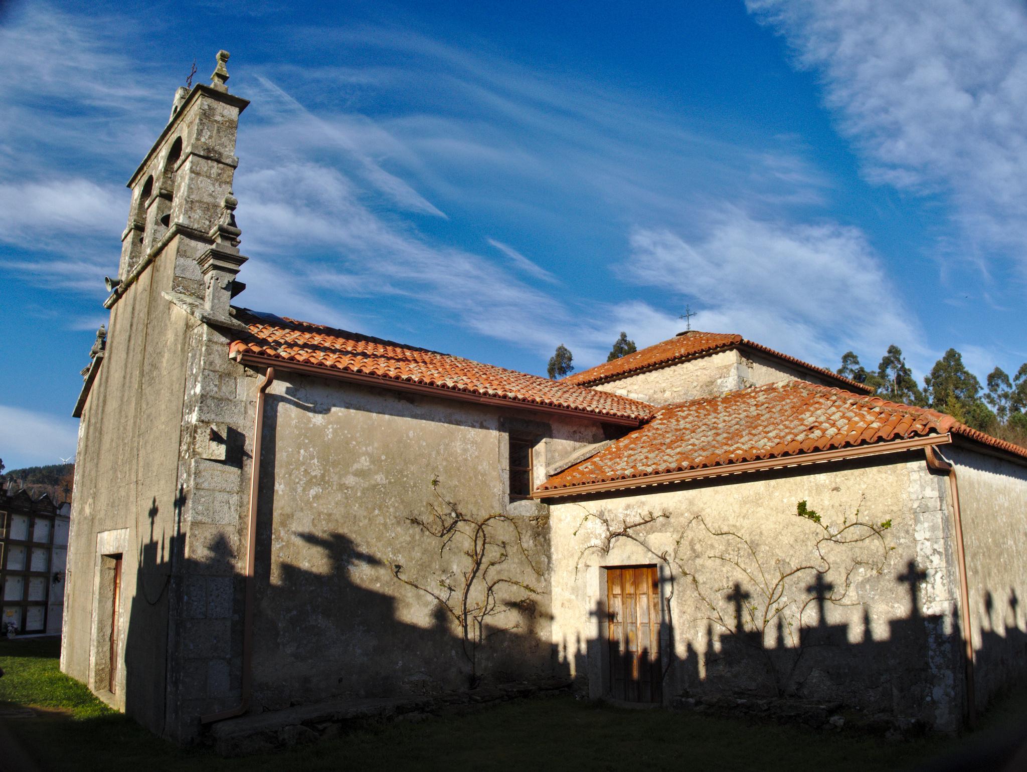 97 - Igrexa parroquial de San Pedro de Folladela.jpg