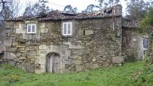 Casa con arco en O Porto